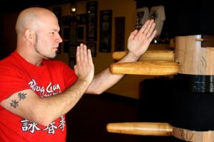 wooden dummy muk yan jong training