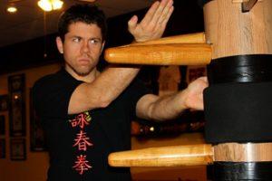 Sifu Och Wing Chun wooden dummy training