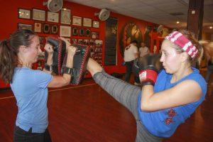 adult kickboxing classes